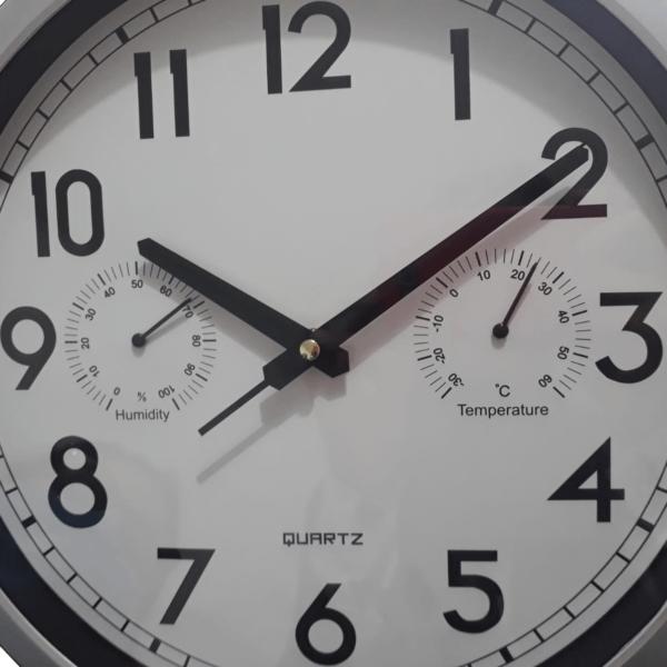 Reloj De Pared C/humedad Y Temperatura Plateado 30 Cm